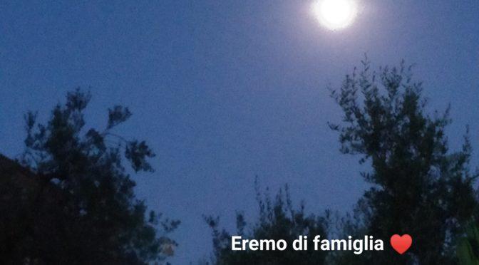 La luna e la carezza